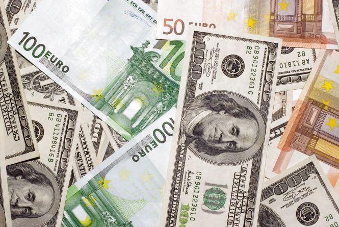 Курс валют НБУ на 8 березня. За скільки сьогодні продають долари та євро?