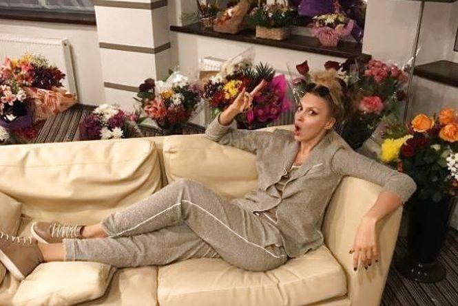Квіти з-під мерії: Супеблондинка Полякова розказала про перший злочин
