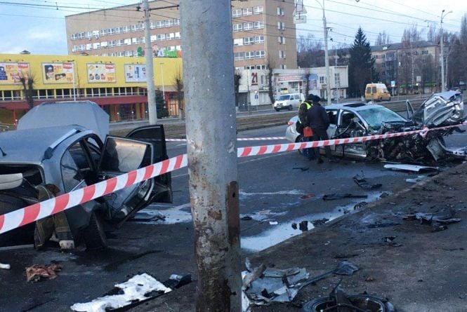 ДТП біля «Грошу»: водій «Інфініті» врізався у «Чері». Є постраждалі (ОНОВЛЕНО)