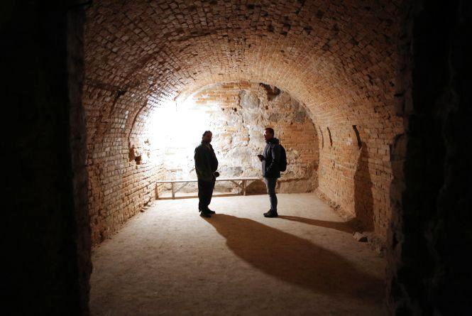 «Поховані» під Соборною. Історія вінницьких катакомб, від якої соромно
