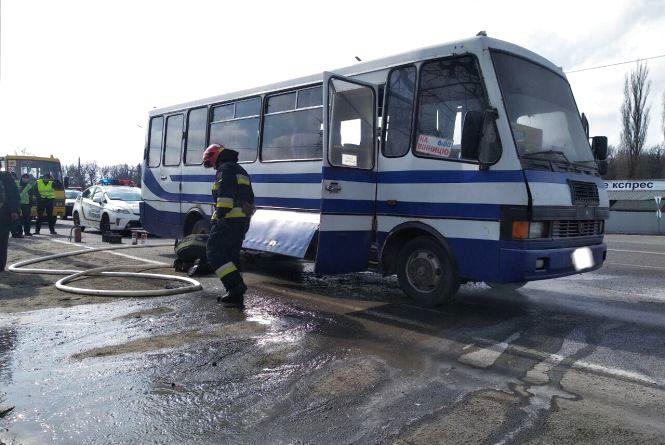 У Калинівському районі горів рейсовий автобус. Люди не постраждали