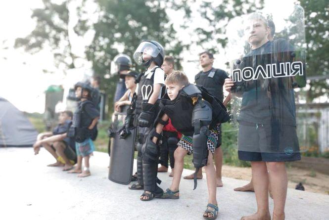 «Вартові безпеки»: підлітків запрошують у табір з поліцейськими
