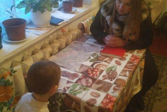 «Не захотіла чекати старшу сестру»: у Вінниці заблукала шестирічна дівчинка