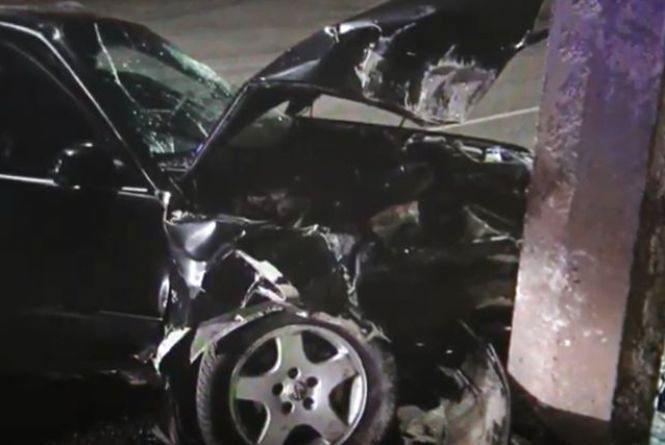 Дві п'яні ДТП на Чорновола: Mercedes vs тролейбус та Audi vs опора