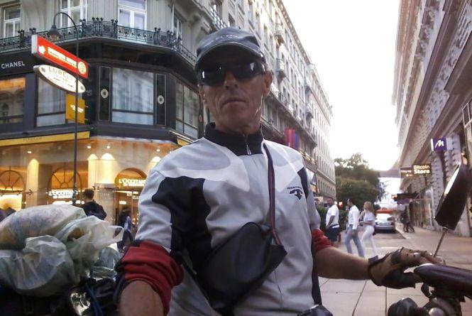 На велосипеді з Вінниці до Парижа, Берна, Сан-Марино… 19 тисяч кілометрів накрутив по Європі
