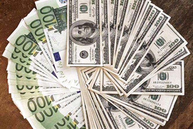 Курс валют НБУ на 1 квітня. За скільки сьогодні продають долари та євро?