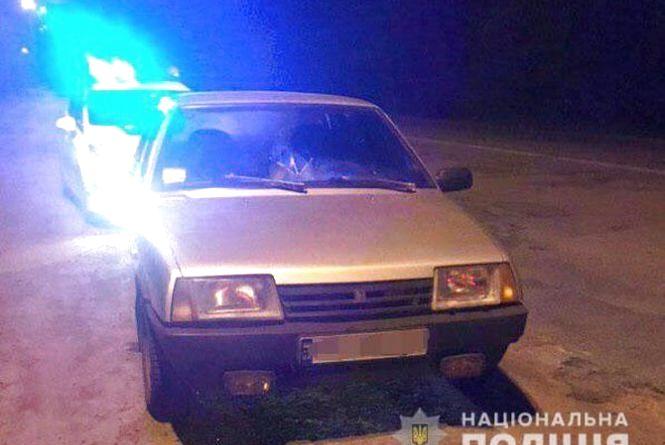 Погоня з сиренами та перестрілкою: на трасі копи зупинили п'яного водія