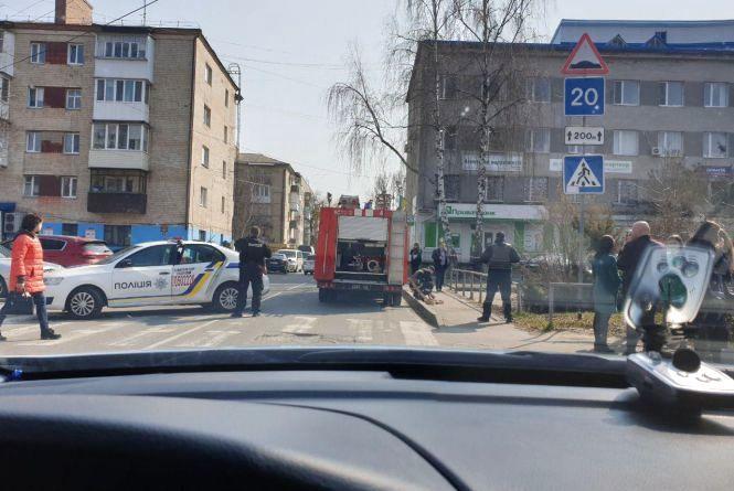 Підозрілий рюкзак в «Приватбанку» на Хмельницькому шосе: евакуювали 40 людей