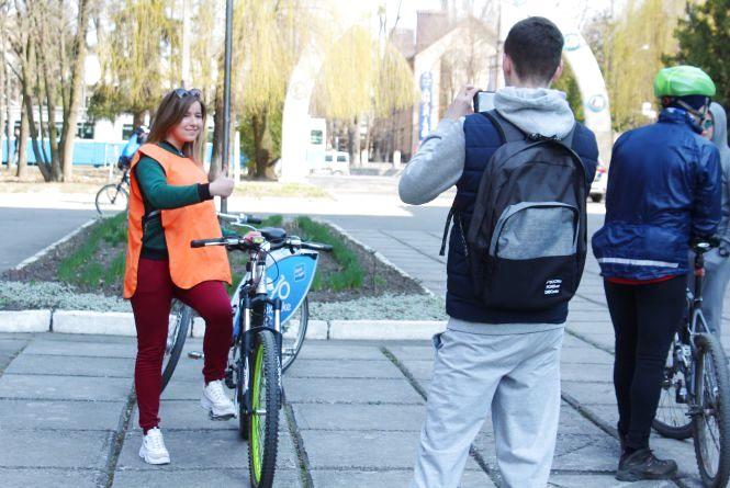 Вінницькі студенти влаштували велозаїзд до Дня спорту (ФОТО, ГІФКИ)