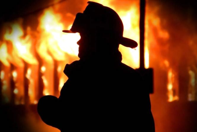 Пожежа на птахофабриці та тіло у Південному Бузі. Вихідні рятувальників