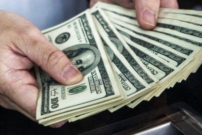 Заробітчани встановили рекорд з переказів коштів в Україну (Прес-служба ПРЯМИЙ)