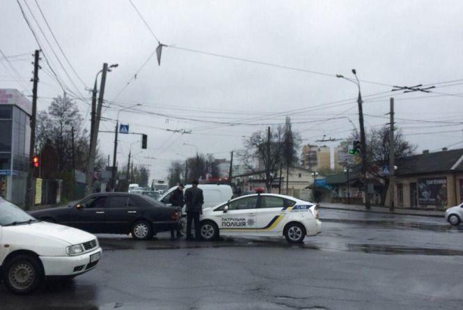 """«Факт ДТП не підтверджено»: прокоментували фото аварії з """"Пріусом"""" на Шимка"""