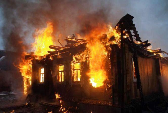 Смертельна пожежа у Степашках: через коротке замикання згорів чоловік