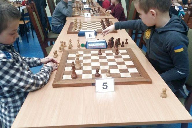 Юних шахістів запрошують поборотися за півмільйона гривень