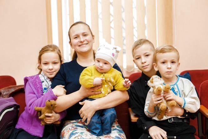 Великодній фестиваль «Пасхальні візерунки»: 70 дітей взяли участь