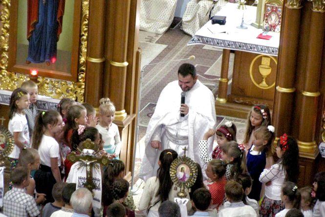 Християни західного обряду святкують Великдень: головні звичаї Пасхи