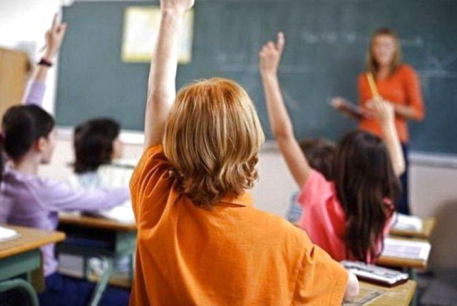 Шкіл стало менше, а ВУЗів побільшало. Як змінилась вінницька освіта за чверть століття