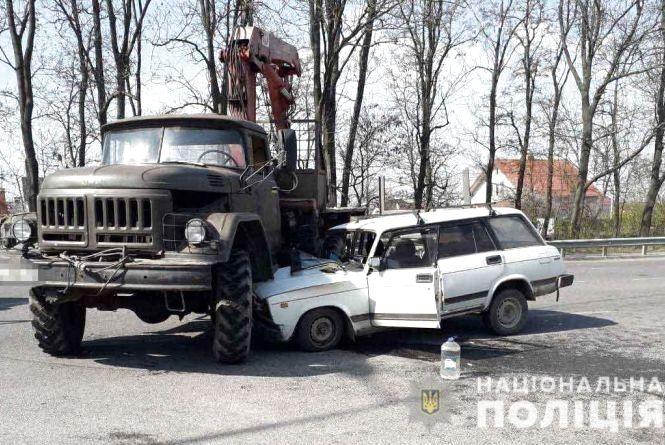 У Вінницькому районі зіткнулася вантажівка та легковик. Є постраждалі