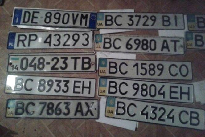 В Україні стало можливим отримати номерні знаки поштою (Прес-служба «Прямого»)