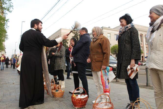 Христос Воскрес! Як вінничани відзначали Великдень
