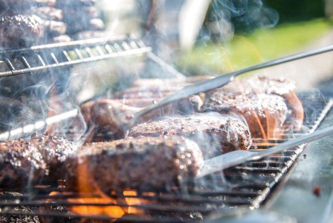 Як замаринувати дуже смачний шашлик для пікніка на природі