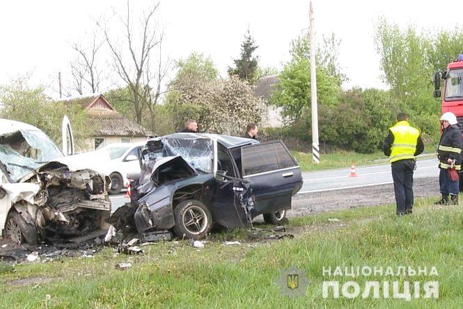 Смертельна аварія на Вінниччині: загинуло четверо людей. Перші подробиці