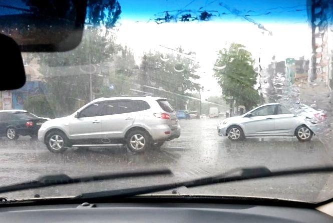 Водії скаржаться на непрацюючі світлофори. Патрульні регулюють одне перехрестя