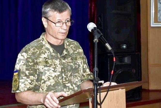 «Нам і так тяжко, а тут журналісти...» Жінку полковника Астахова обурив розголос його справи