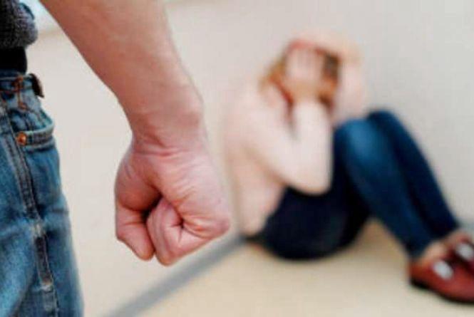 З початку року до поліції надійшло понад 4 тисячі заяв щодо домашнього насильства