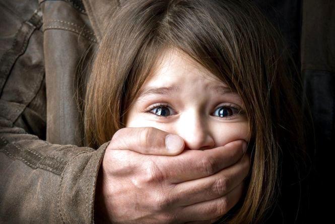 Вінничанка заявила, що батько ґвалтував 12-річну доньку. Перші подробиці
