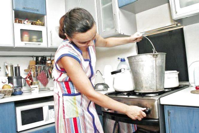 Без гарячої води: де у місті відключили послугу та наскільки