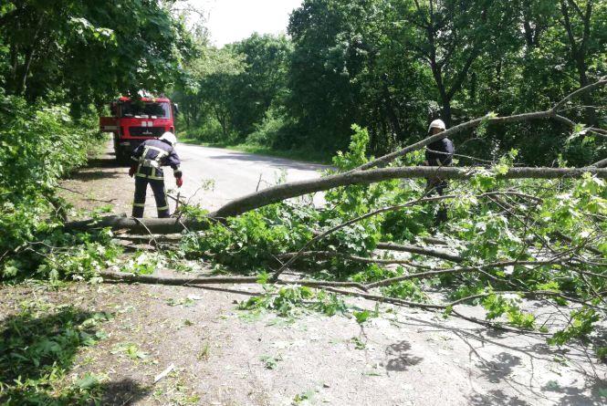 Негода в області: підтоплена амбулаторія та перекрита дорога