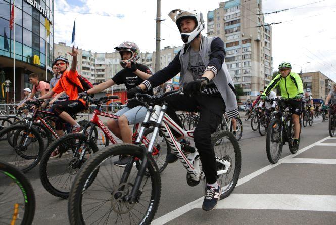 «Це чудова нагода подивитися на місто»: як пройшов традиційний велозабіг