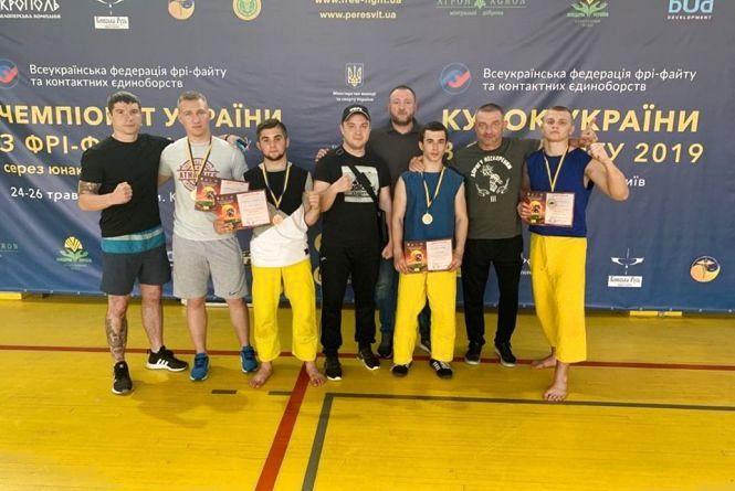 Золотий «хет-трик» вінницьких фрі-файтерів на чемпіонаті України