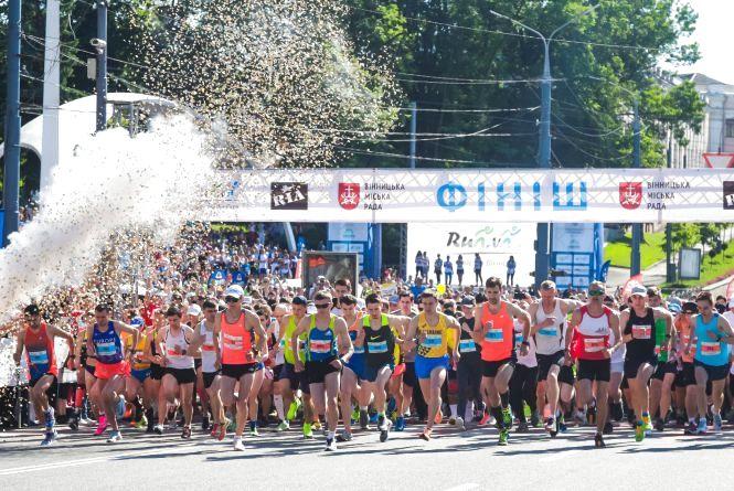 Три тисячі переможців. Спортсмени від 3 до 77 років бігали Вінницею