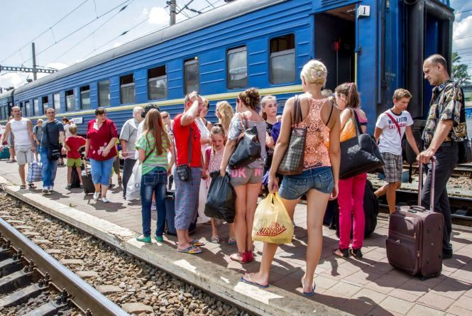 На Чорне та Азовське море: влітку через Вінницю пустили додаткові поїзди