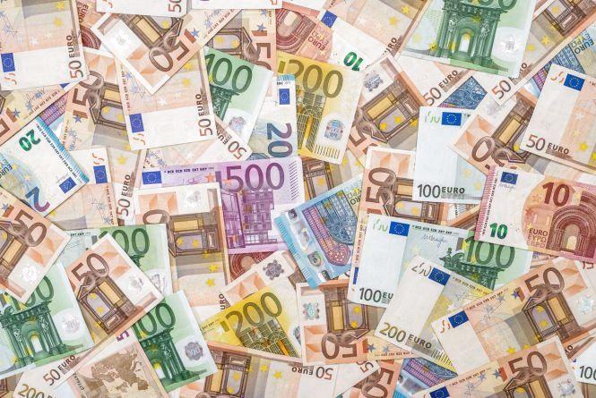 Курс валют НБУ на 31 травня. За скільки сьогодні продають євро?
