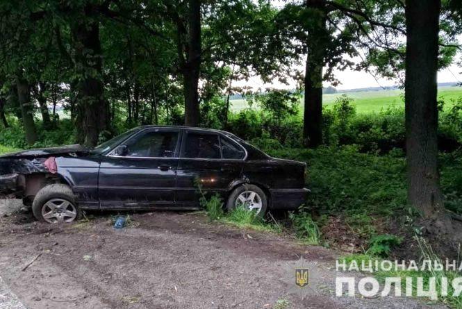 ДТП біля Літина: водійка на BMW заїхала у кювет. Постраждала 3-річна дитина