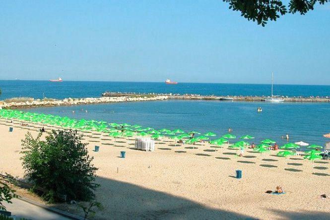 Літній відпочинок на морі: через Вінницю курсуватиме потяг до Болгарії