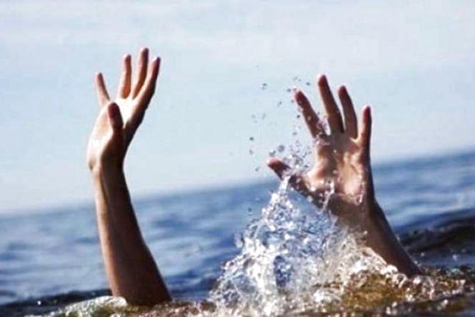 Небезпечний відпочинок на воді: двоє чоловіків потонули, одного — врятували