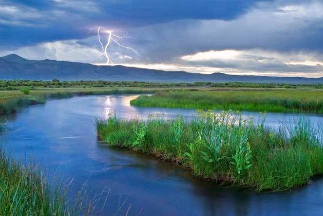 Грози і спека: у Гідрометцентрі оновили прогноз погоди