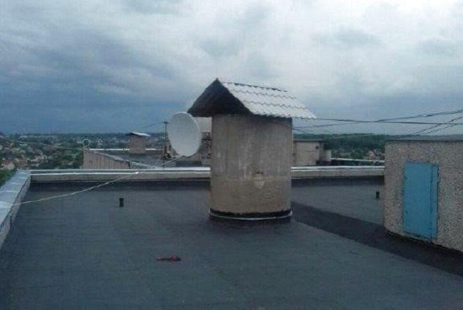 У Вінниці ремонтують дахи за вісьмома адресами. Перелік