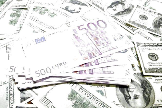 Курс валют НБУ на 30 червня. За скільки сьогодні продають долари та євро?