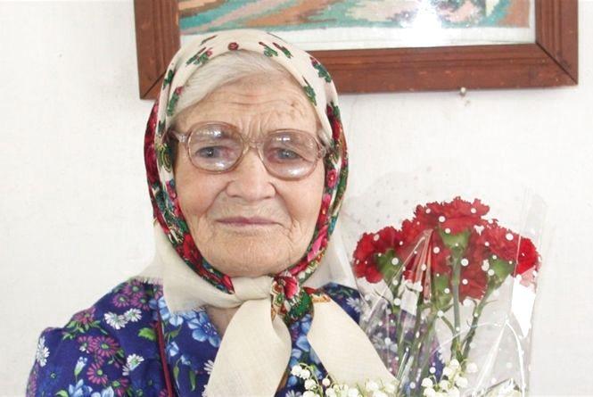 Найстаріша жителька Дружелюбівки розказала як дожити до 95 років