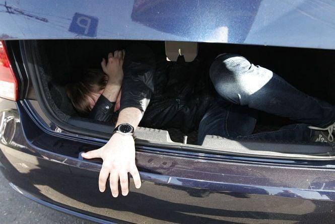 Не сподобався зять: вінничанина зв'язали та вивезли у багажнику на кладовище