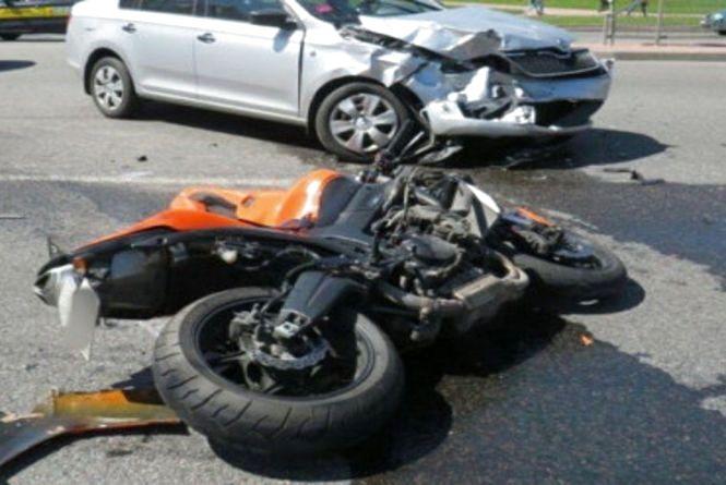 Смертельна ДТП у Погребище: 17-річний мотоцикліст розбився після удару з Skoda