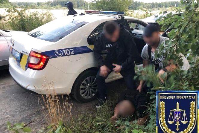 Поліцейських, яких затримали на хабарі в Літині, посадили під домашній арешт