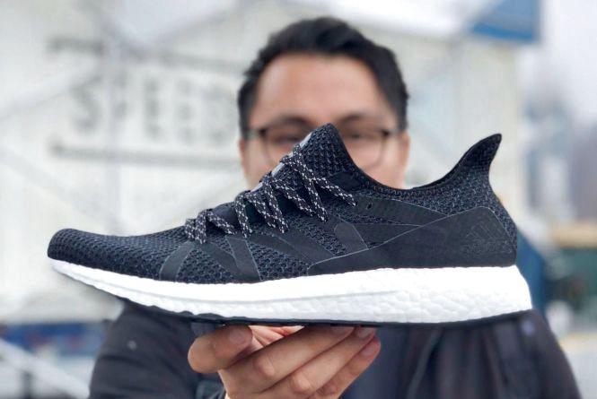 Дармові кросівки від Аdidas. Навіщо вінничан засипають посиланнями на неіснуючу акцію?