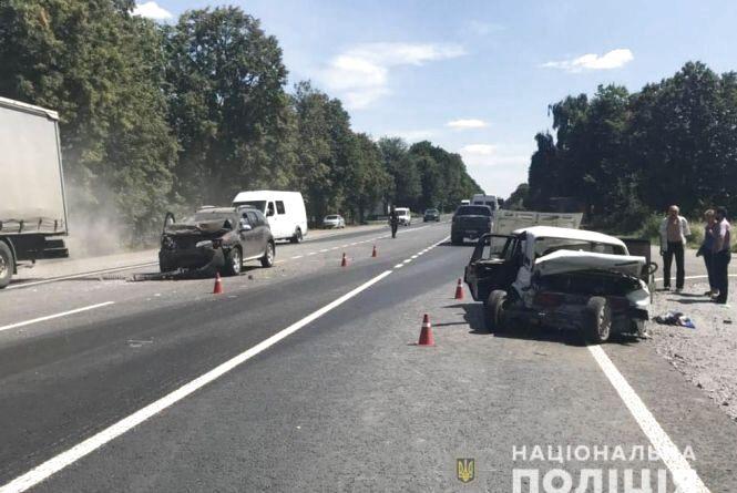 ДТП в Немирівському районі: постраждав водій та 5 його малих дітей