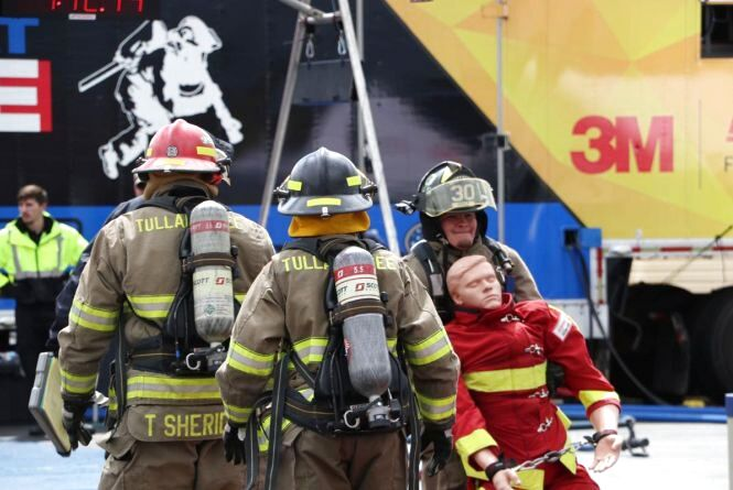 «Firefigter combat challenge»: рятувальники влаштують круте шоу для порятунку колеги